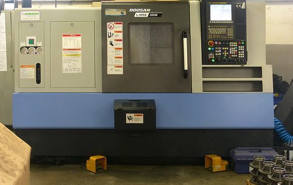 Doosan Lynx 300M CNC-Drehmaschine