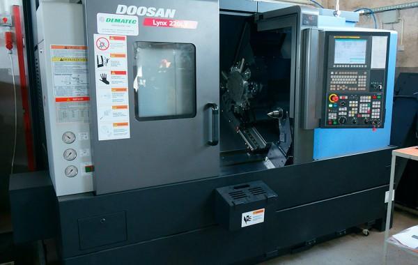 DOOSAN LYNX 220 LYC CNC-Drehmaschine